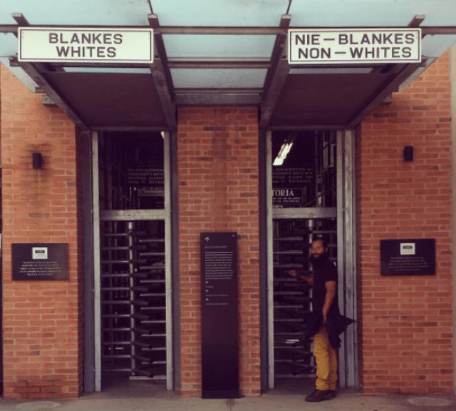 O que fazer na África do Sul, visitando o Museu do Apartheis em Johannesburgo