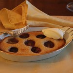 almond financier with seedless grapes