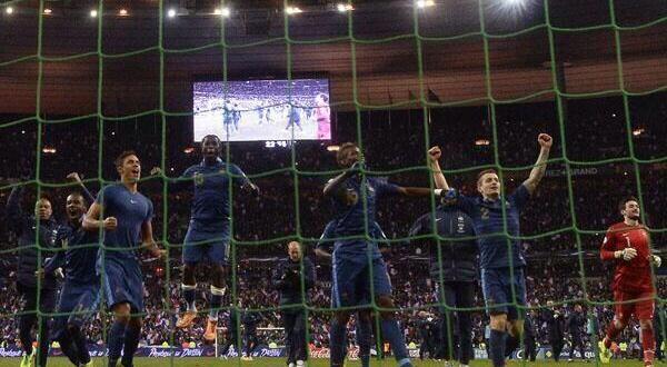 La joie de l'équipe de France face à l'Ukraine