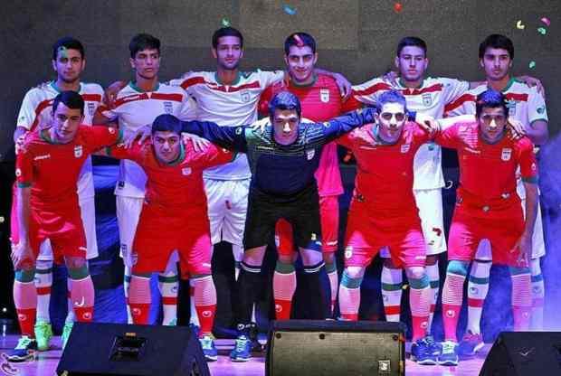 La sélection iranienne lors de la présentation des maillots de la coupe du monde 2014