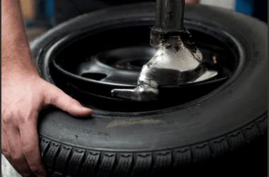 Smontaggio e montaggio pneumatici
