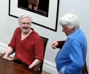 Des journalistes dénoncent l'espionnage de la CIA sur Assange et réclament sa liberté