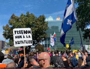 COVID-19- Plusieurs milliers de manifestants marchent «pour la libération du peuple» contre l'état autoritaire