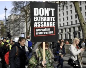 Des journalistes étasuniens espionnés par un contractant de la CIA ayant pour cible Assange gardent le silence