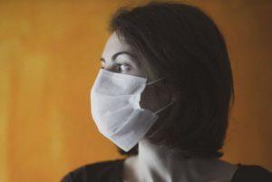 Le médecin prévient que les «pneumonies bactériennes sont en augmentation» à cause du port du masque