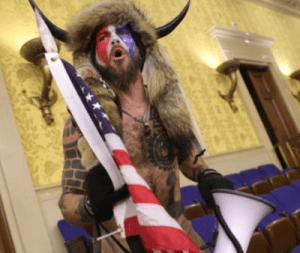 Cirque, propagande et fable de « démocratie » sous la dictature du Capital : pèlerins fanatiques au Capitole