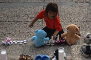 La découverte d'un charnier d'enfants autochtones rappelle au Canada un sombre passé