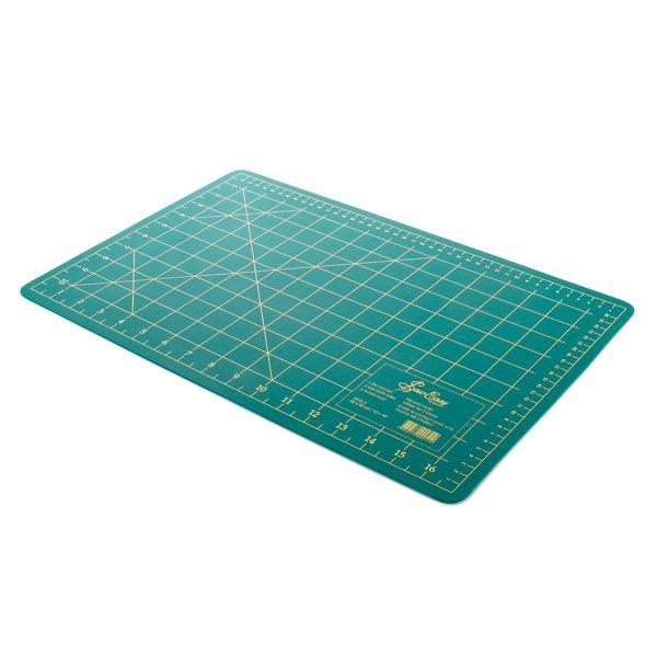 planche de coupe speciale patchwork 45x30 cm
