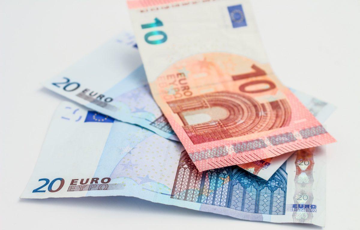 Rimodulazioni tariffe mobile: dal 2017 spesi 43 euro in più all'anno
