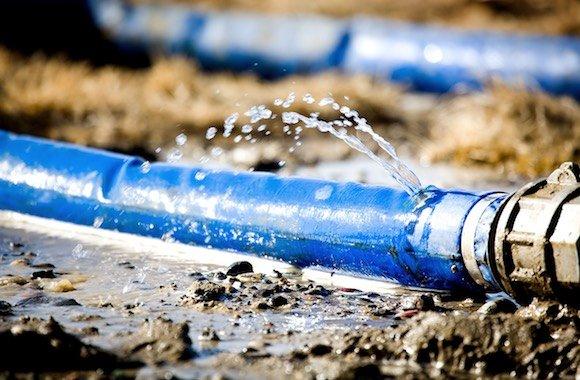 spreco di acqua potabile