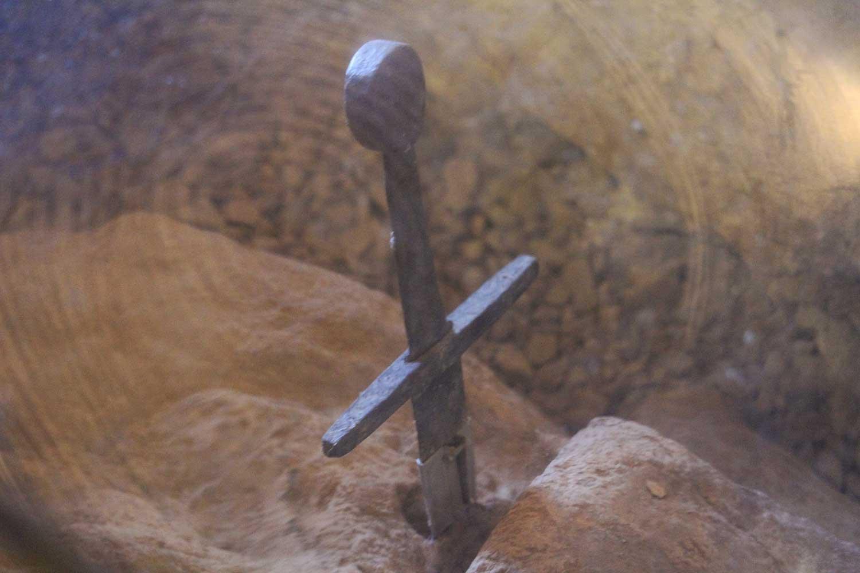 spada nella roccia san galgano