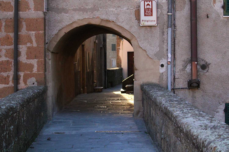 accesso al centro Pitigliano
