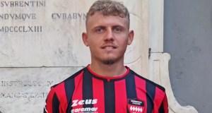 Sorrento, il centrocampista Mimmo De Marco