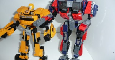 robot transformer Kre-O, Optimus e Bee