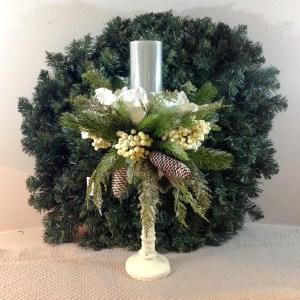 porta candela amaryllis, pino,pigne e bacche con base panna
