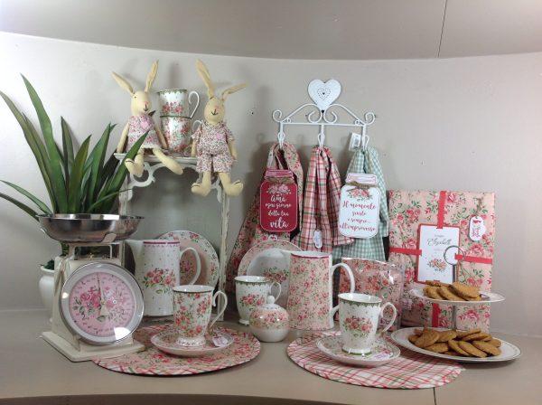 Nuvole di Stoffa Coniglietto seduto serie Elisabeth con vestito a fiorellini rosa