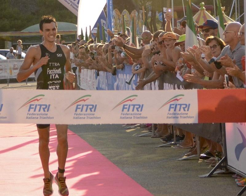 I 77 partenti dei Campionati Italiani di Triathlon Olimpico Elite a Lerici