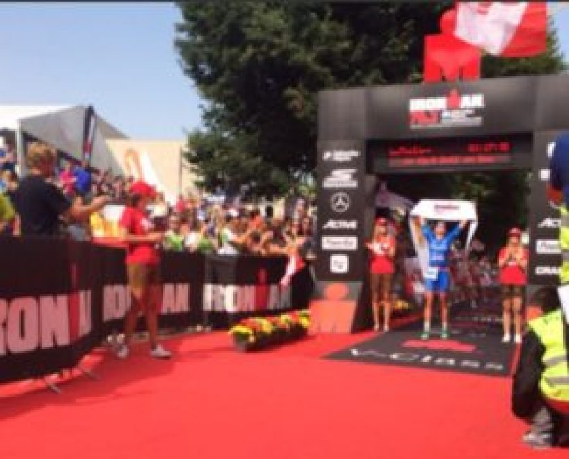 La vincitrice dell'Ironman 70.3 Zell am See-Kaprun 2017: Laura Philipp