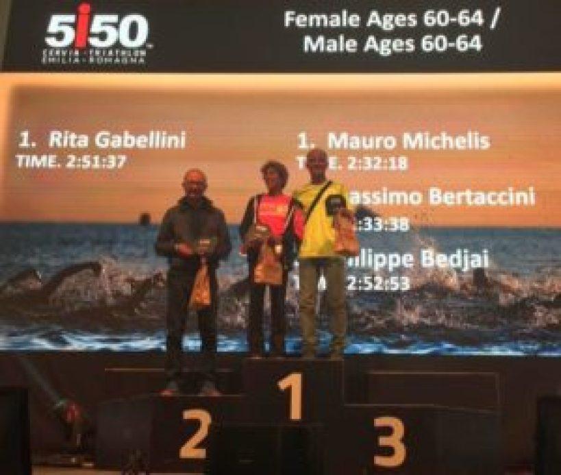 Le premiazioni dei top 3 uomini e donne cat. 60-64 del 5i50 Cervia Triathlon Emilia Romagna 2017