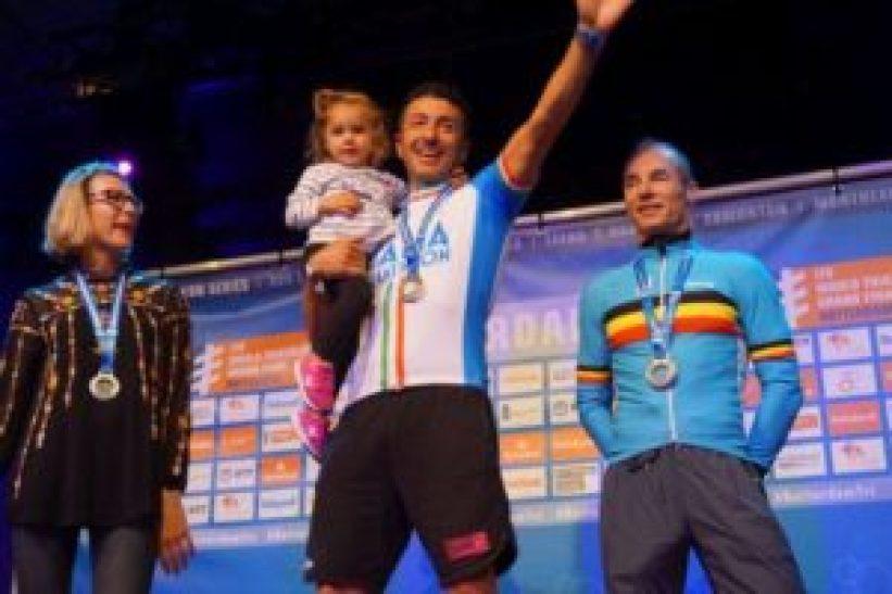 Alfio Bulgarelli è oro al Campionato del Mondo di Rotterdam 2017 nella categoria 45-49 (Foto ©F.I.Tri.)