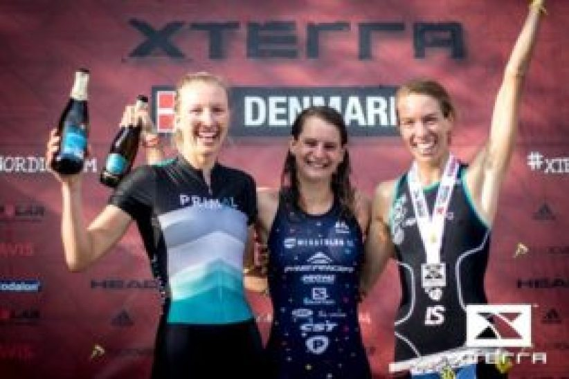 Il podio femminile dell'XTERRA Denmark - European Tour Championship: Nicole Walters. Brigitta Poor ed Elizabeth Orchard (Foto ©XTERRA)