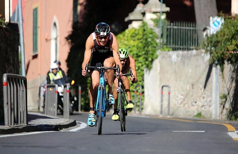 Alessandro Fabian impegnato nella frazione bike degli Italiani di triathlon olimpico 2017 a Lerici (Foto: ©Marco Bardella)
