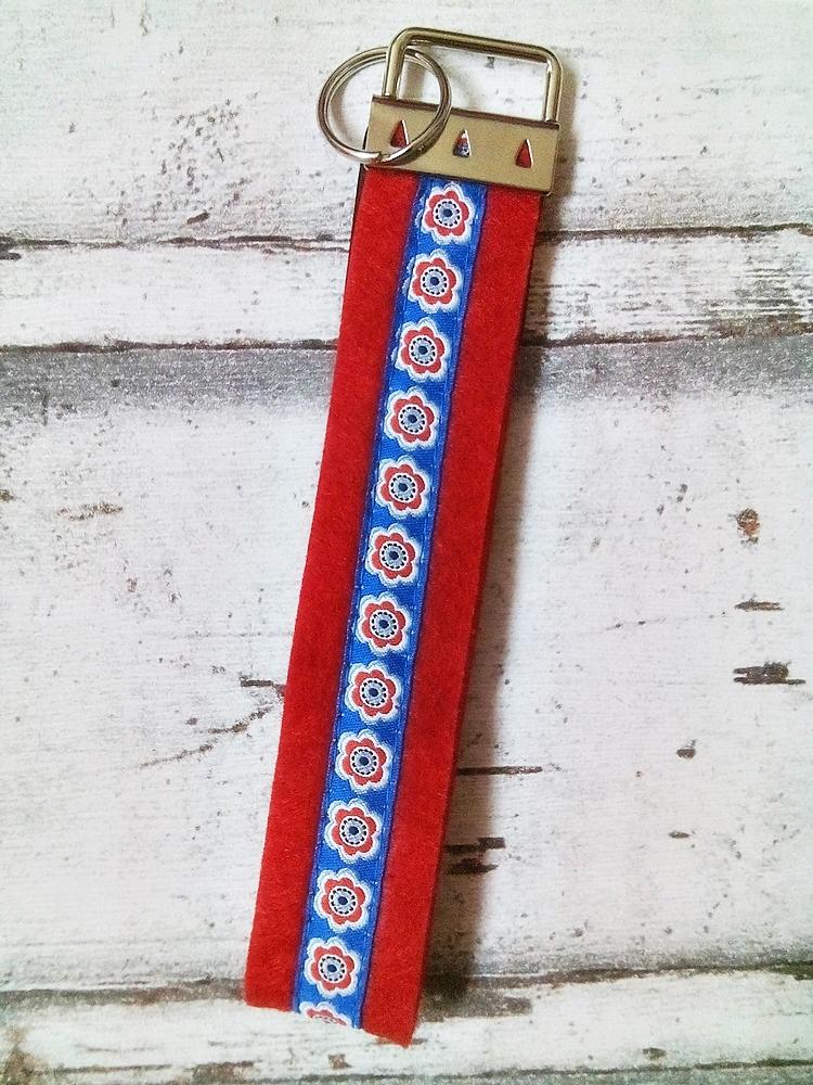 """Schlüsselband """"Anemonen"""" (rot) von Mondspinne"""