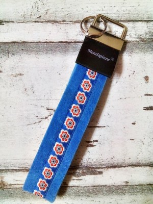 """Schlüsselband """"Anemonen"""" (hellblau) von Mondspinne"""