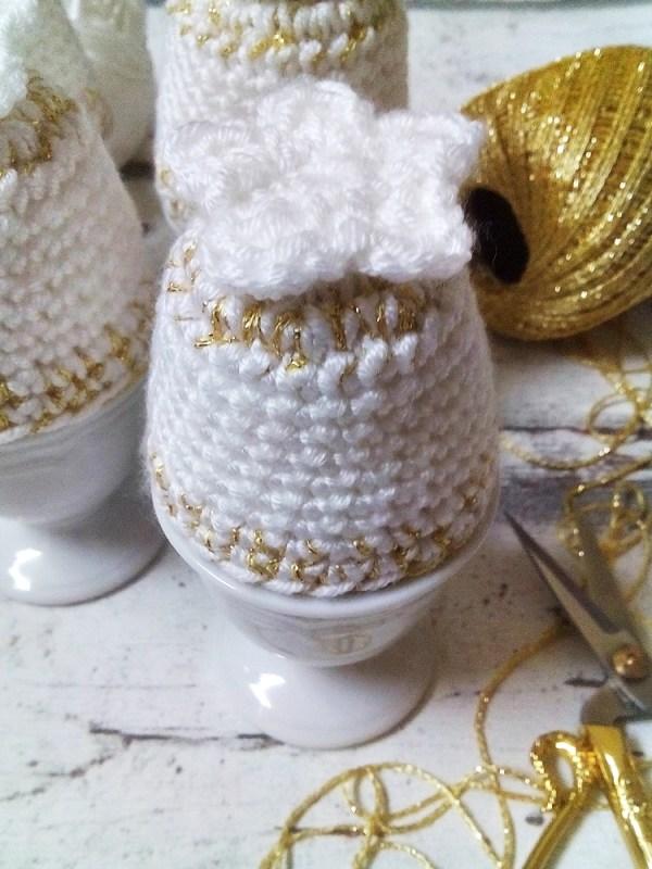 Eierwärmer (weiß-gold) von Mondspinne