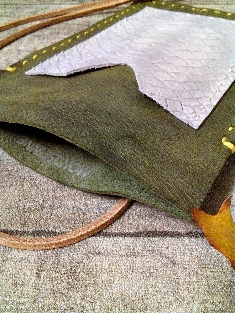 """Brustbeutel """"Peru"""" (grün-grau) aus Rindsleder - MONDSPINNE"""