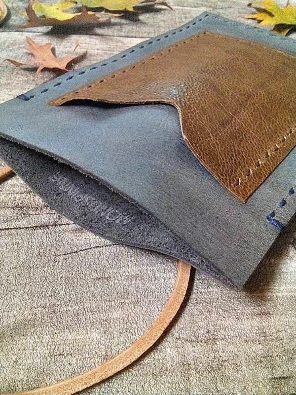 """Brustbeutel """"Peru"""" (graublau-braun) aus Rindsleder und Büffekalbsleder - MONDSPINNE"""