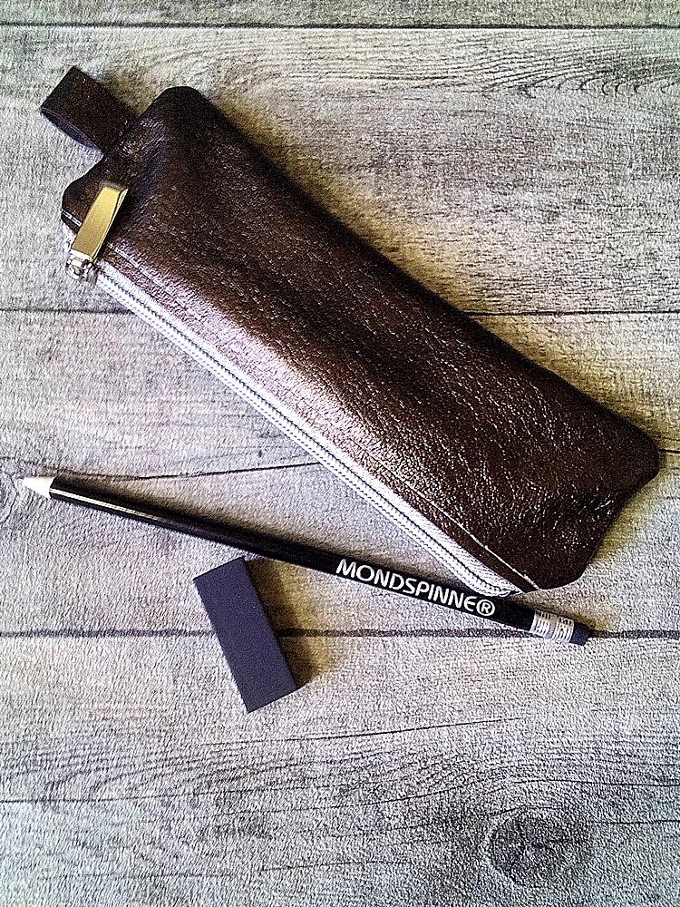 Stiftemäppchen Federmäppchen (bronze-silber), aus Büffelkalbsleder - MONDSPINNE