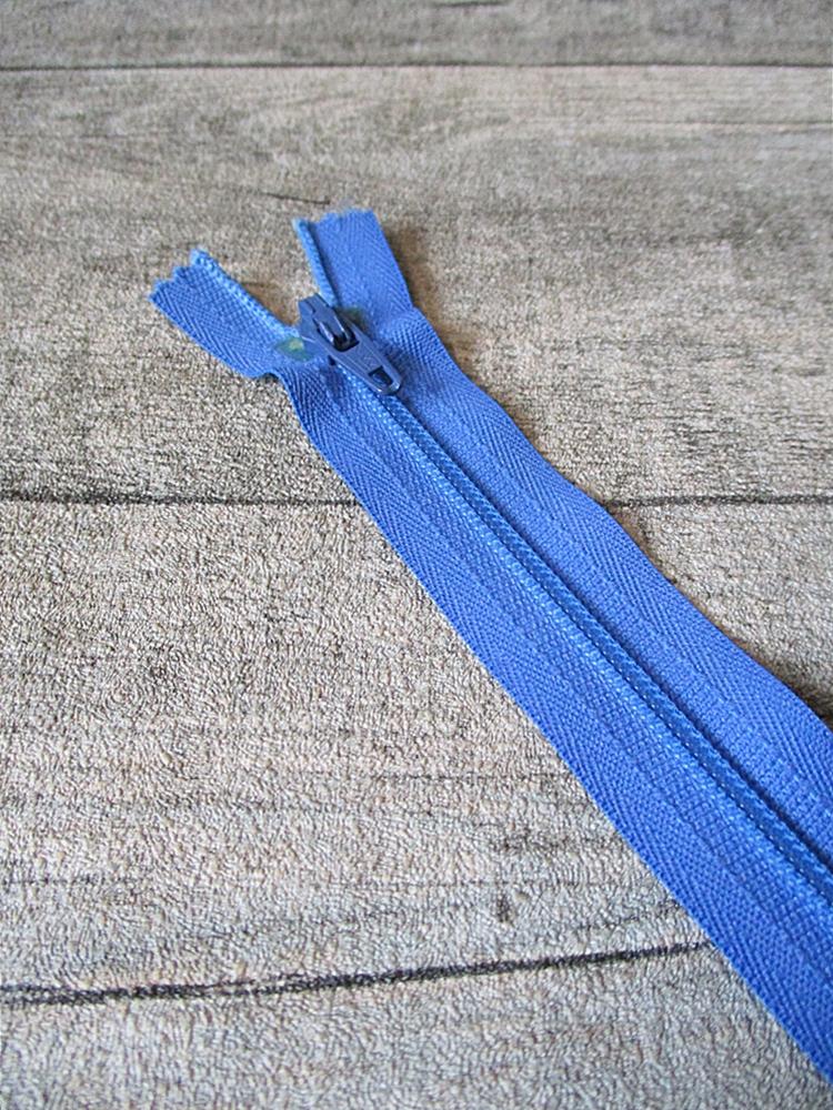 Reißverschluss kornblumenblau 18 cm lang 22 mm breit YKK - MONDSPINNE