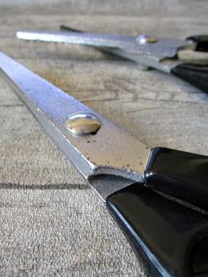 Zickzackschere schwarzer Kunststoffgriff 20 cm - MONDSPINNE
