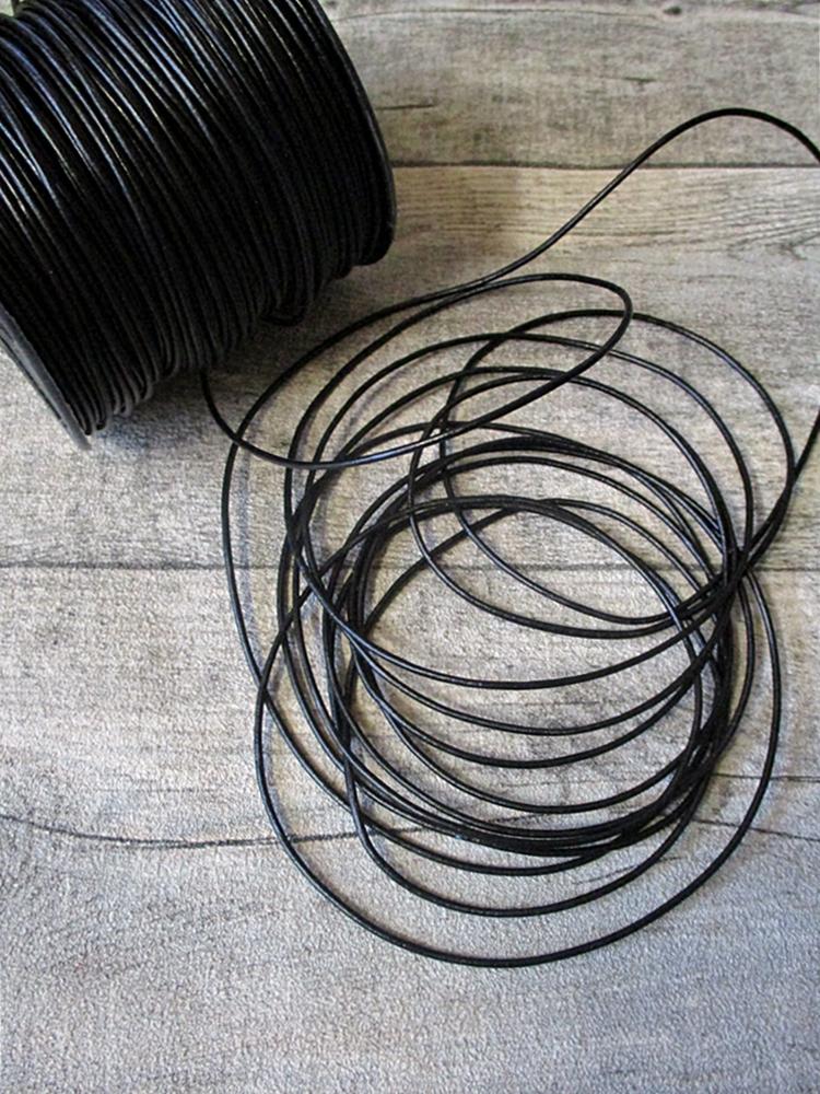 Lederband Lederriemen Rindsleder schwarz rund 1,5 mm - MONDSPINNE