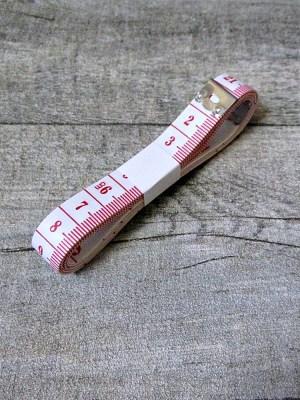 Maßband Metermaß Bandmaß Zentimeter Inch weiß rot 150 cm Kunststoff - MONDSPINNE
