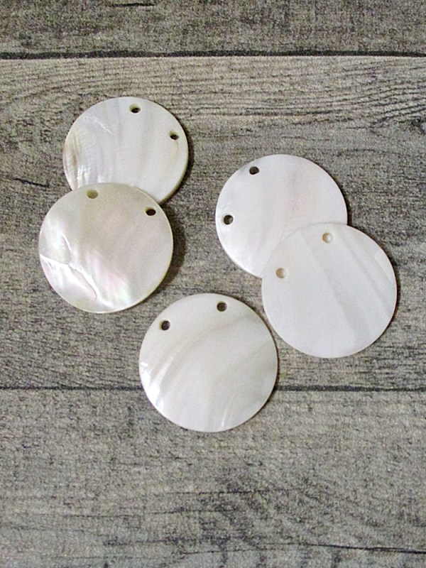 Perlmuttscheibe weiß Perlmutt rund 40 mm 2 Löcher Lochgröße 3 mm - MONDSPINNE