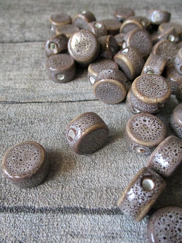 Porzellanperlen Großlochperlen grau-braun rund flach antik glasiert 16x10 mm Lochgröße 3 mm - MONDSPINNE