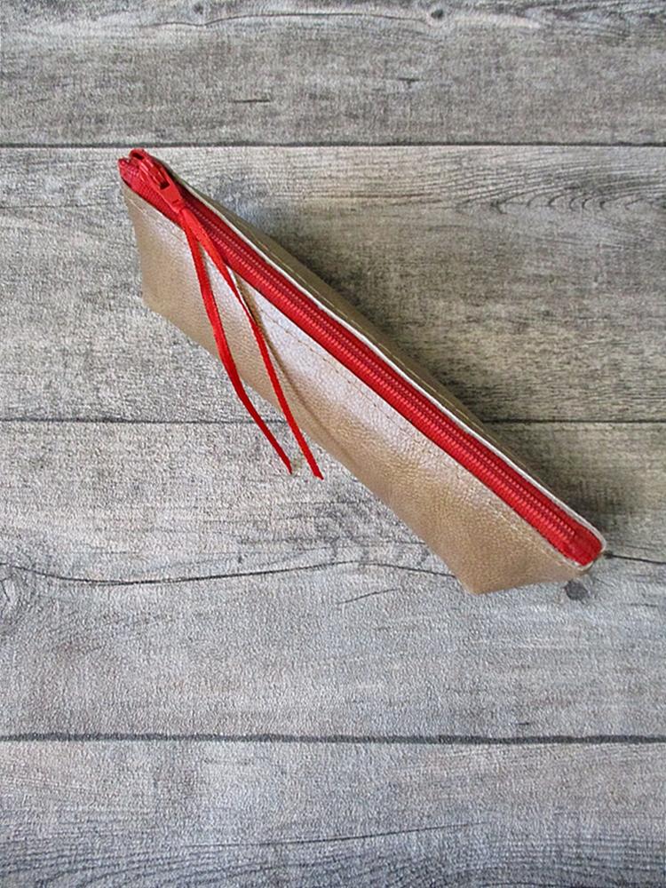 Federmäppchen Stiftemäppchen Federtasche mit Boden wallnuss-rot Leder - MONDSPINNE