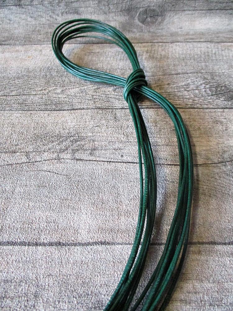 Lederband Lederriemen Ziegenleder rund spinatgrün 1 m 1,5 mm - MONDSPINNE