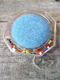 Stecknadeln 20 Gramm mit Glasköpfchen bunt mit Nadelkissen hellblau - MONDSPINNE