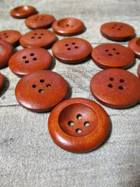 Holzknopf rund rotbraun 25x4 mm - MONDSPINNE