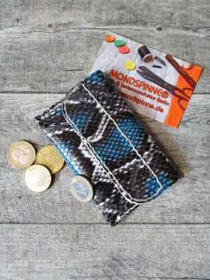 Börse Portemonnaie Svale 70x110mm blau-grau-weiß Rindsleder Schlangenprägung - MONDSPINNE