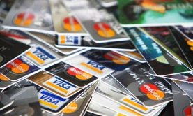 Pile-of-Credit-Cards-001