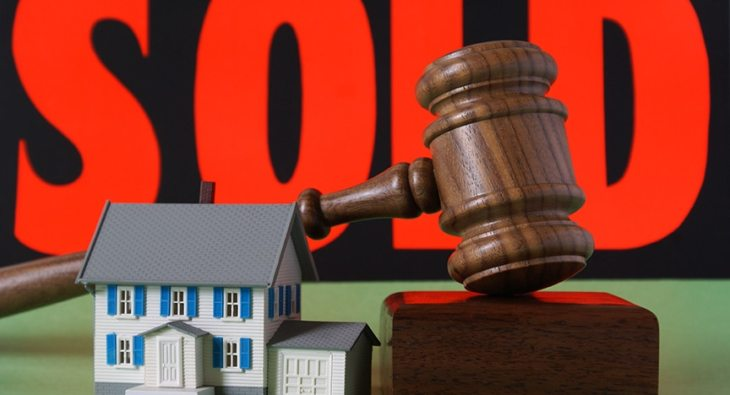 9-step guide to buying at a house auction