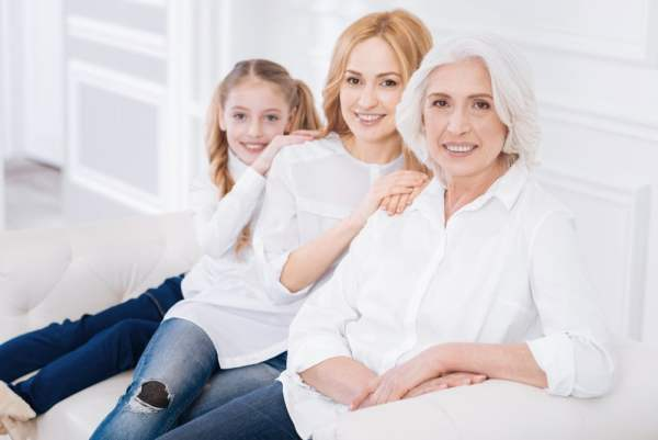 3 generations (mother, daughter and grandaughter)