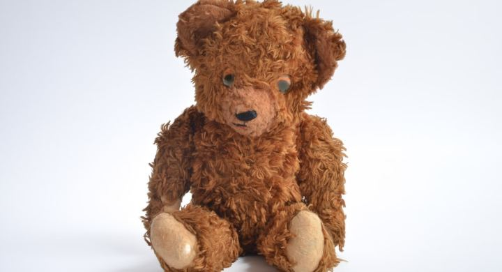 Vintage brown bear