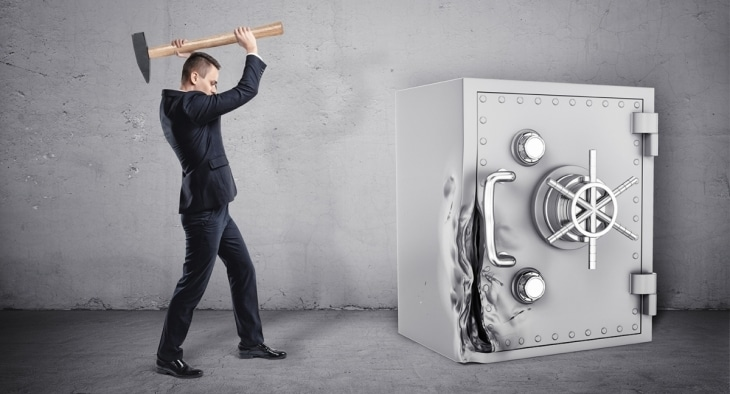 Breaking safe - How to beat the banks