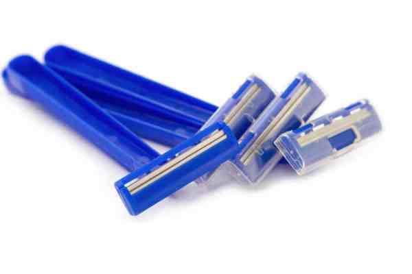 Disposable plastic razors