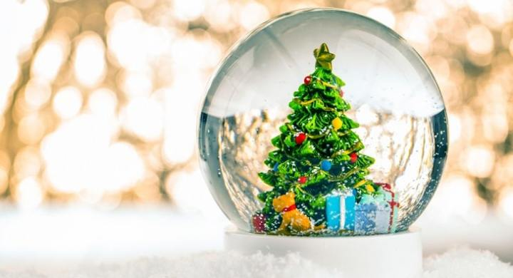 Make money collecting snow globes